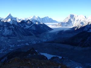 Долина Кхумбу с Пумори
